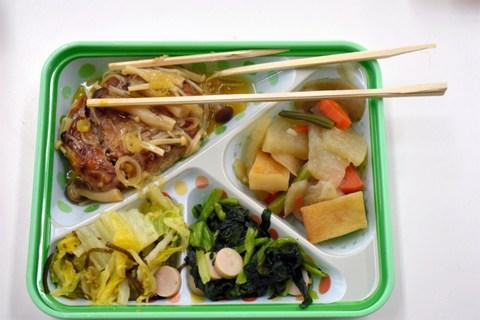 ハマ弁1食当たり市費負担2673円 横浜市長「時間をいただきたい」